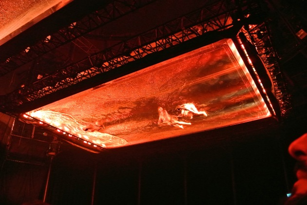 Fuerzabruta - Pool that descended onto the audience