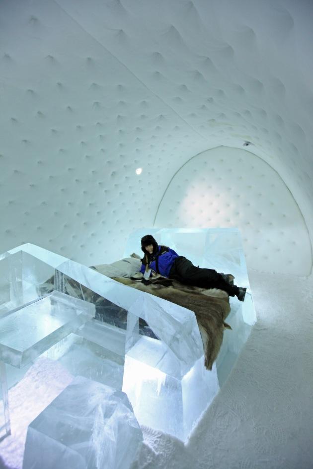 2013: Art Suite Iceberg. Artist: Wouter Biegelaar.